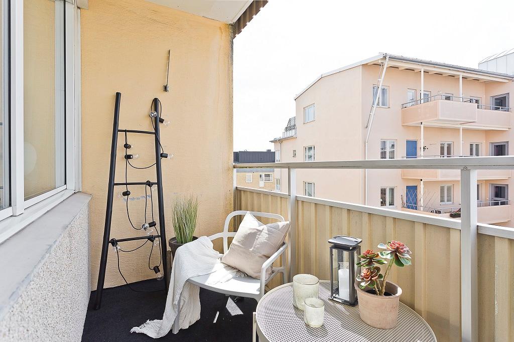 möblerad balkong